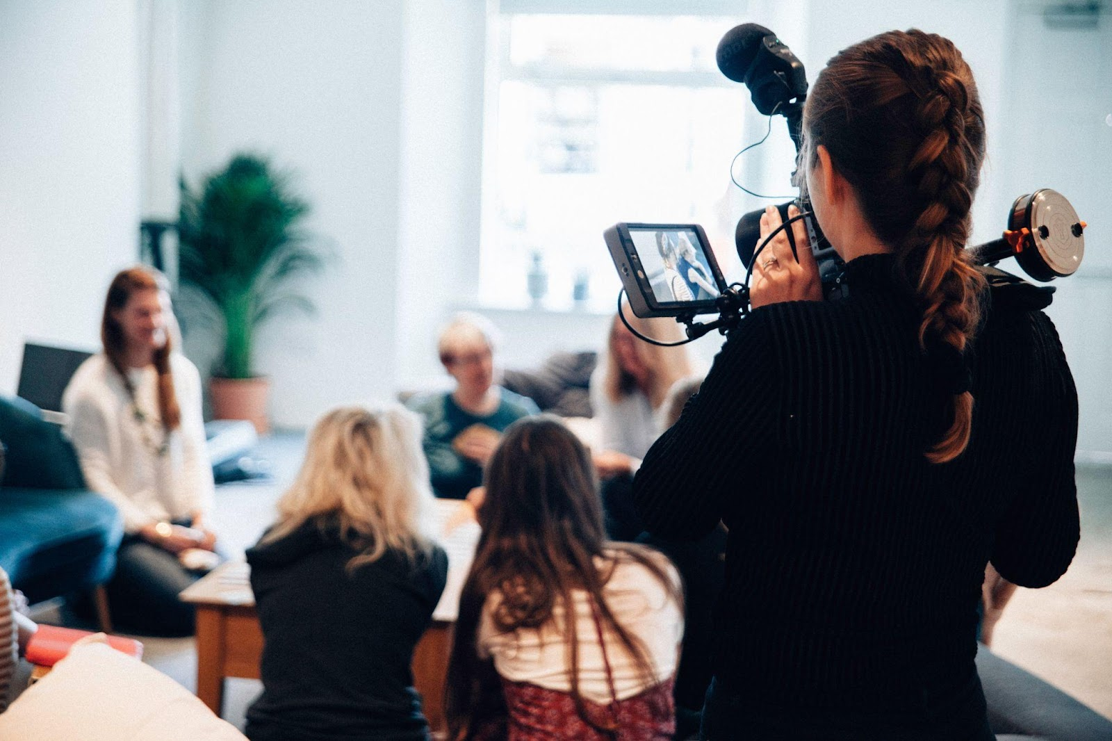8 Tips on How To Start a Career as a Vlogger